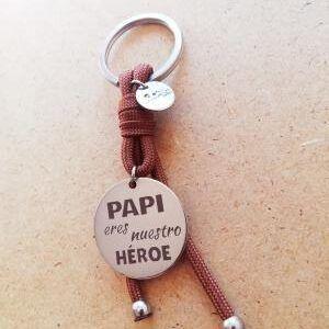Papi eres nuestro héroe. MARRÓN